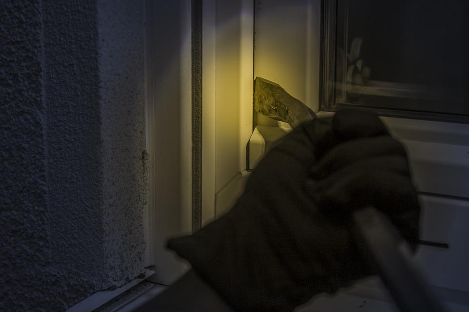 Wees alert tijdens de feestdagen en houd inbrekers buiten de deur