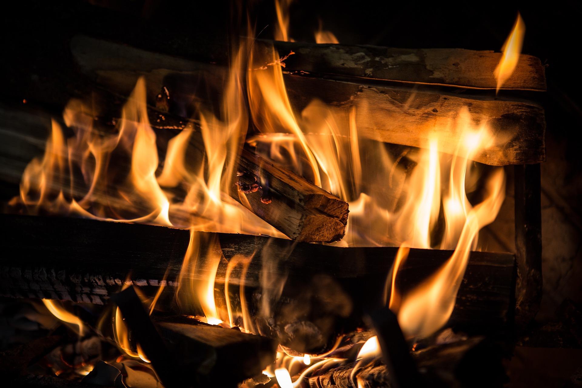 Stookseizoen begonnen – 3 tips om een schoorsteenbrand te voorkomen
