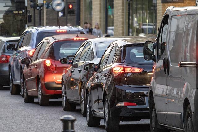 Ben ik verzekerd met een verlopen rijbewijs? (en andere vragen over autoverzekeringen en corona)